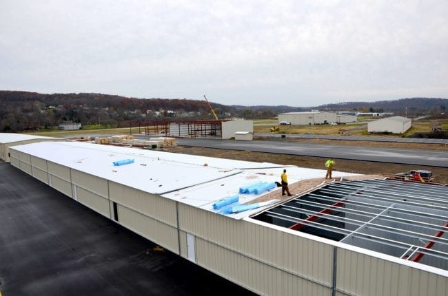 Steelsmith-SteelBuilding-AirplaneHangar-CondorAeroClub-MetalRoof14