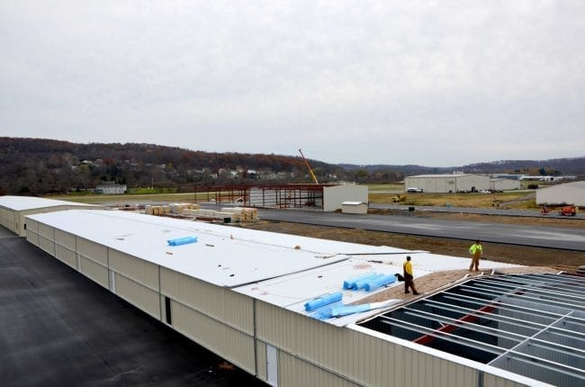 Steelsmith-SteelBuilding-AirplaneHangar-CondorAeroClub-MetalRoof12