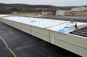 Steelsmith-SteelBuilding-AirplaneHangar-CondorAeroClub-MetalRoof8