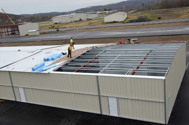 Steelsmith-SteelBuilding-AirplaneHangar-CondorAeroClub-MetalRoof7
