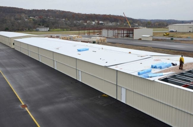 Steelsmith-SteelBuilding-AirplaneHangar-CondorAeroClub-MetalRoof6
