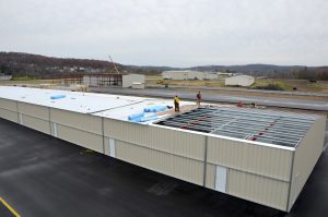 Steelsmith-SteelBuilding-AirplaneHangar-CondorAeroClub-MetalRoof3