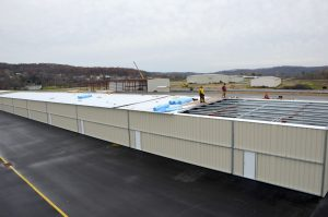Steelsmith-SteelBuilding-AirplaneHangar-CondorAeroClub-MetalRoof2